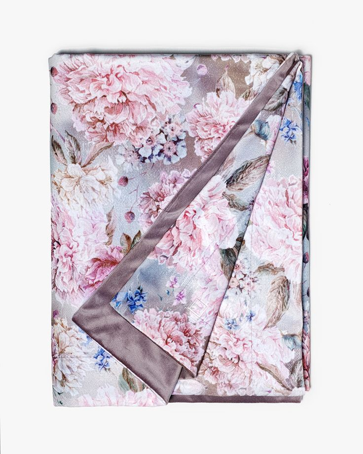 Lennol | DIANA Flower print velvet throw, pastel colors