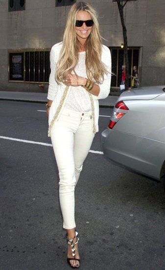 streetstyle: Ellemacpherson, All White, Fashion Shoes, Fashion Style, Street Style, White Outfits, White Gold, White Jeans, Elle Macpherson