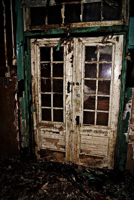 32 Creepy Abandoned Places Pinterest Creepy Doors And Window