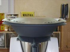 Yaourts au Thermomix Pour 8 Yaourts : 1 Yaourt nature à votre goût. 1 litre de lait entier 3 c à soupe de lait en poudre (pour plus de fermeté) 3 c à soupe de sucre (facultatif)