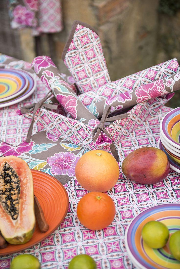 Las propuestas de textil para la cocina y la mesa de ¡Viva México! ayudarán a crear un ambiente agradable en el que reunir a familia y amigos, ahora que el sol empieza a calentar y las reuniones en la terraza y el jardín apetecen.