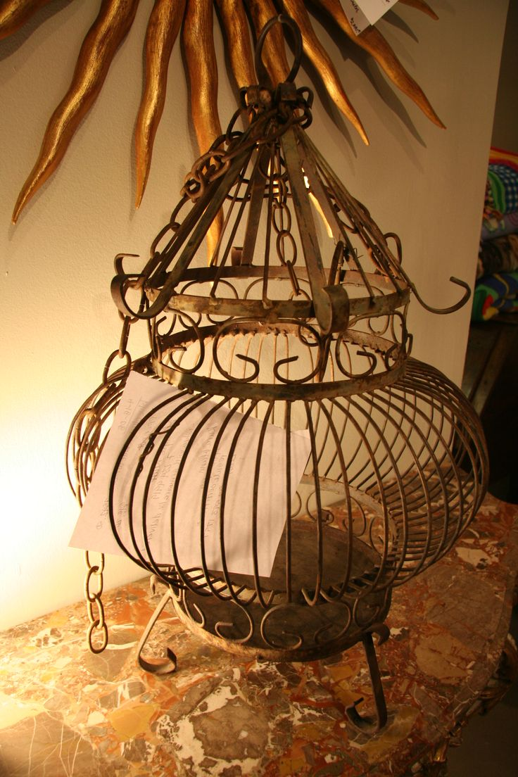 1000 ideas about vintage bird cages on pinterest antique bird cages birdcages and antiques. Black Bedroom Furniture Sets. Home Design Ideas