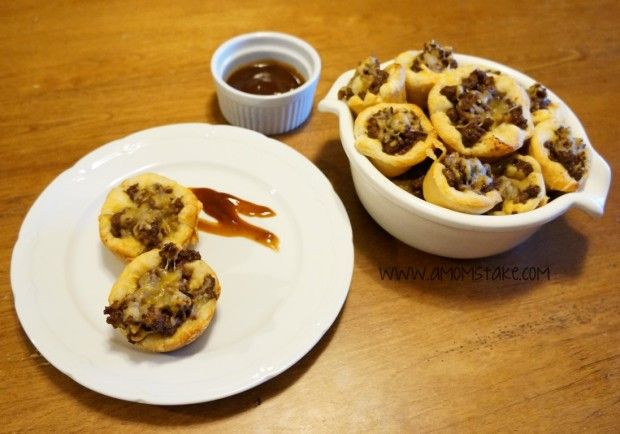 """Easy Dinner Recipes for School Nights - These came out great. Unfortunately, i couldn't get my 2 year old to try it. Maybe it was the BBQ sauce, but even topped with ketchup, he just wasn't interested. I think he didn't like the way the top looked, maybe if i put a crust on top and the meat in the middle. I called it a beef cupcake, but he was onto me and said """"that is definitely not a cupcake"""". Oh well, husband and I enjoyed them."""
