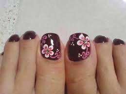Resultado de imagen para uñas pintadas negras con dibujos en blanco
