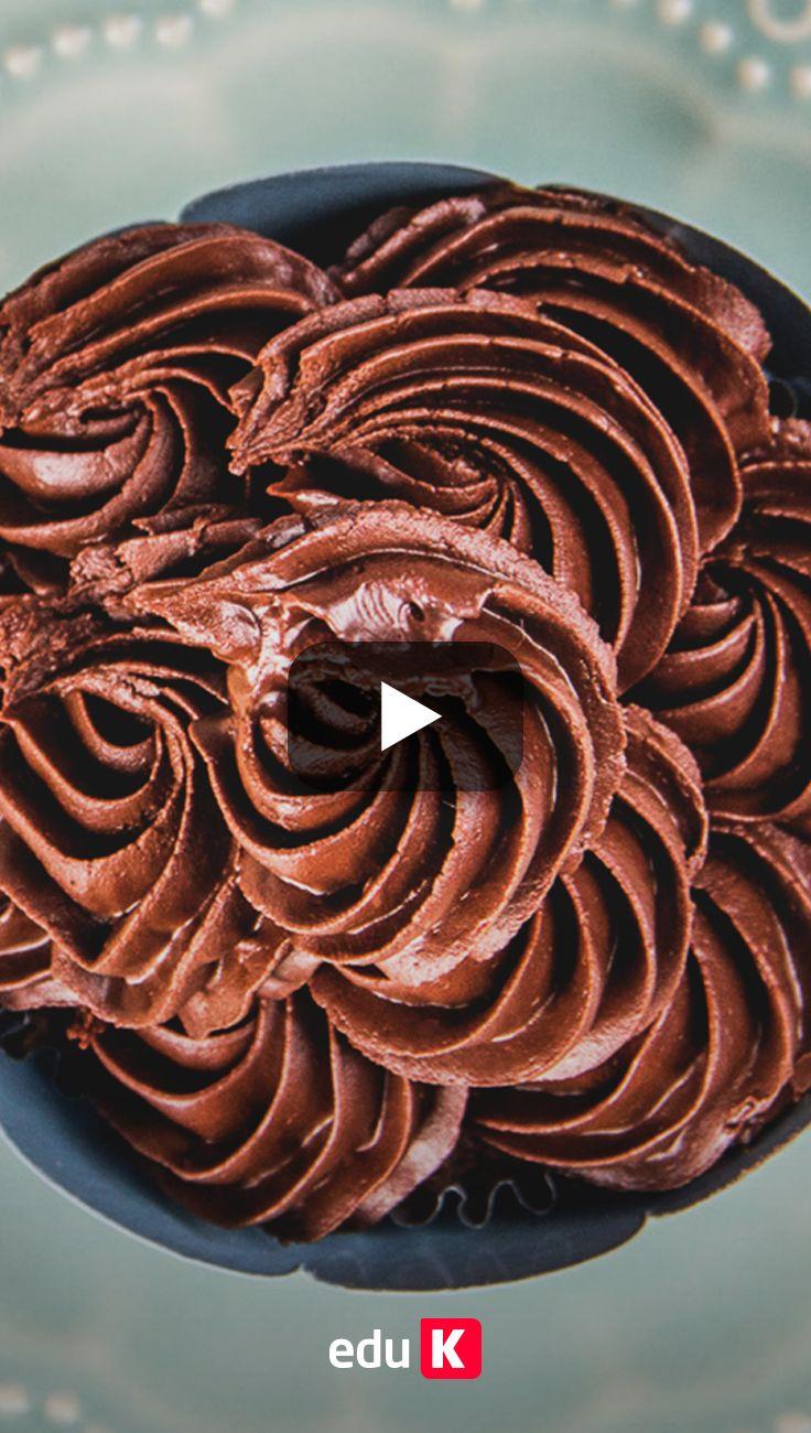 Esse cupcake estava delicioso! Quer aprender a fazer? Ele é todo recheado de chocolate <3