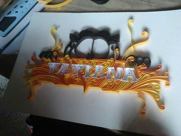 cuadro elaborado de tiras de papel de color,(filigrana de papel)