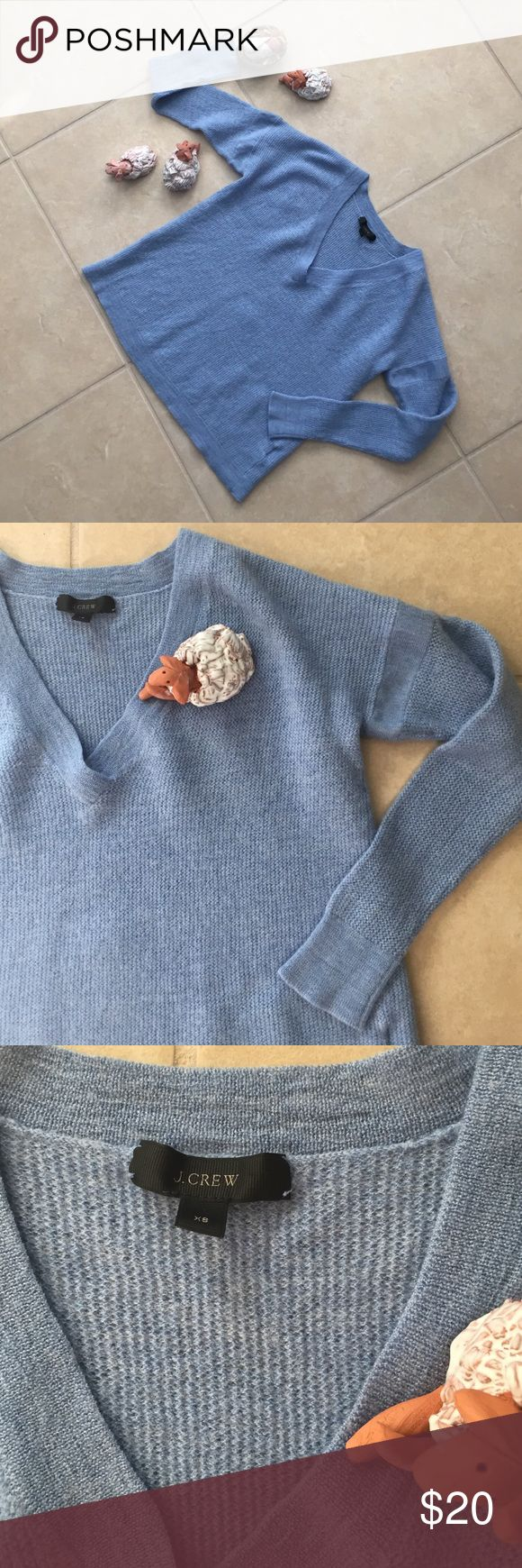 J Crew VNeck Soft periwinkle blue J Crew sweater, with armband detailing. 100% merino wool. Free sheep with purchase🐑 J. Crew Sweaters V-Necks