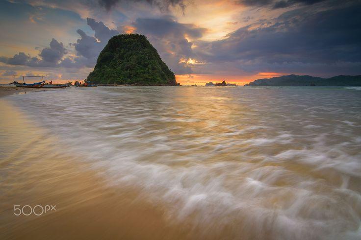 Red Island Beach by Budi Astawa on 500px