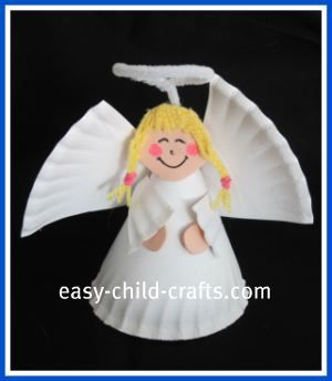 Paper Plate Angel Craft .. Cute...wonder if it would be a good ornament size in we used mini dessert plates?