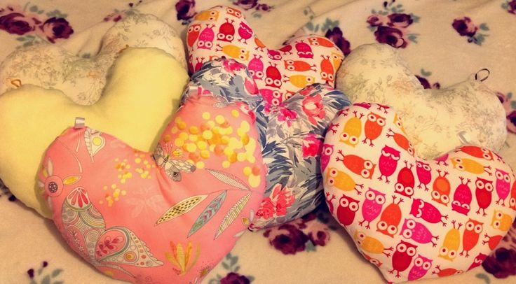 Heart shaped cushions made for Jens friends, for breast cancer patients to ease pain after breast surgery x