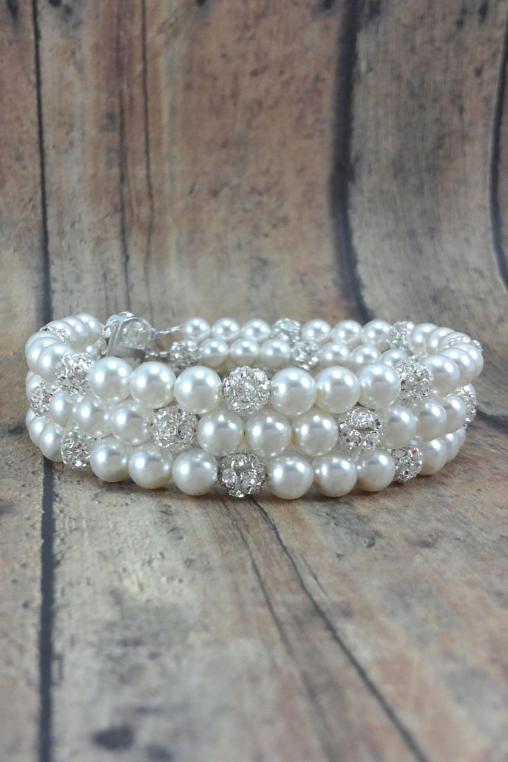 Jackie Bracelet // Pearl Cuff Bracelet / Pearl Bridal Jewelry / Pearl Bride Bracelet