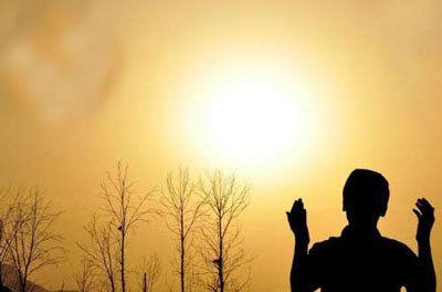 تبیان/ پاسخ به یک شبههسوال و یا شبهه ای که در ذهن بسیاری وجود دارد این است که چرا غالب کسانی که مطیع اوامر و دستورهای قرآن و خداوند تبارک و تعالی هستند، از آثار این اطاعت و پیروی برخوردار نیستند و با کمبودهای شدید و گرفتاری ها و بلایای زیادی روبرو هستند؟ و کسانی که کافر هستند و یا در