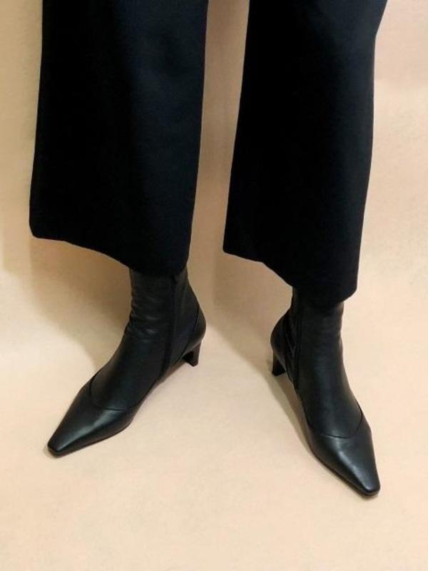 IGINOA Uv Slim Ankle Boots - Black on