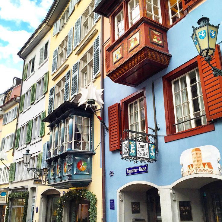 Visiting the Old Town in Zurich, Switzerland - WORLD OF WANDERLUSTWORLD OF WANDERLUST