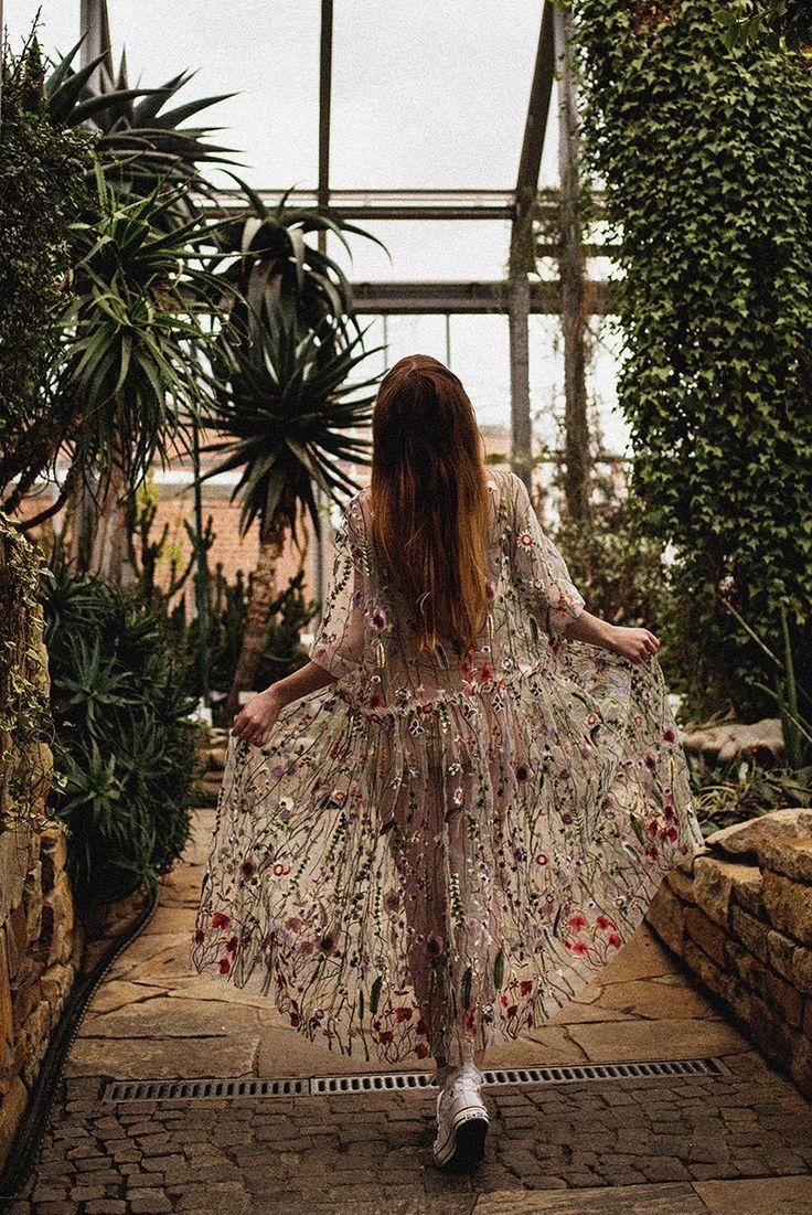 Maxi Blumenkleid Botanischer Garten Photoshoot Tropisches Gewachshaus Fotografie Mode Asos Saloon Maxikl Maxikleid Mit Blumen Fotoshooting Botanischer Garten