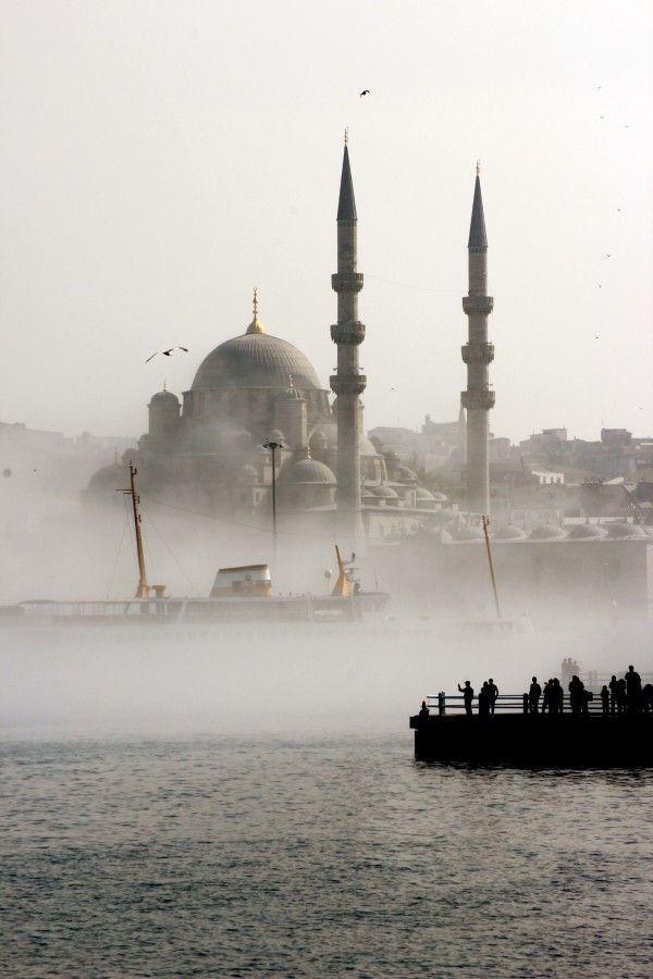 Yeni Cami, Istanbul, Turkey http://www.gratisreview.com/Tuerkei-Urlaub/