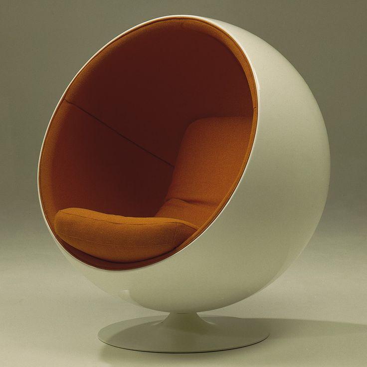designer seat: half Globe chair, 1960s?