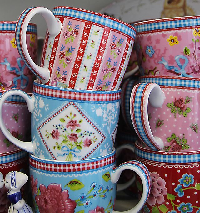 """""""Mugs with patterns by Pip Studios, a really fun Dutch company that sells great housewares and wall paper, with a distinctive modern Dutch cottage style."""""""