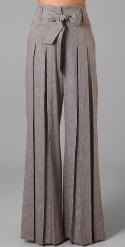 Pleated leg trousers. Love.