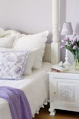 THE WHITE DECOR WITH ACCENTS OF LILAC IS SO DELICATE AND SOFT,AND VERY PRETTY!!! Cherie Cullum