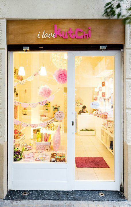 Best 25 store front windows ideas on pinterest christmas store i love kutchi barcelona spain solutioingenieria Image collections