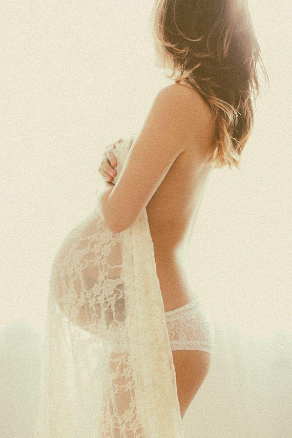 maternity photoshoot lingerie lace pregnancy pregnant boudoir romantic fotografia gestante grávida