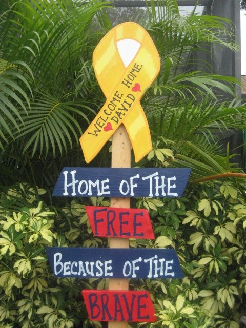 Love this Welcome Home sign for the front yard! | Military Love.....**S** I'd love to do this.