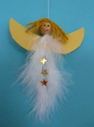 On a Budget ? Make these Cute Feather, Bead, Yarn and paper Angels with your kids for CHRISTmas or anytime. - engeltje