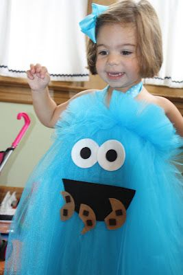 Dress up your little girl like cookie monster with adorable homemade Halloween costumes for kids!