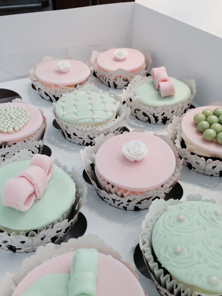 Modern romantic Cupcakes