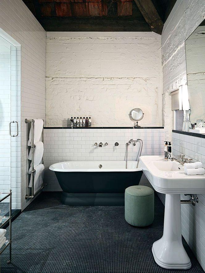 beautiful tub, textured walls