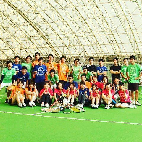 テニスサークル 集合写真