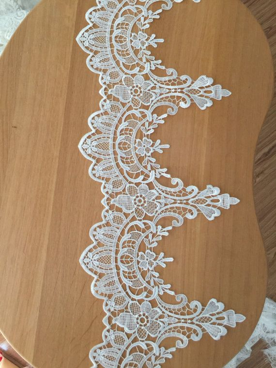 2 yard Ivory Venice style lace trim for Applique by lacetime