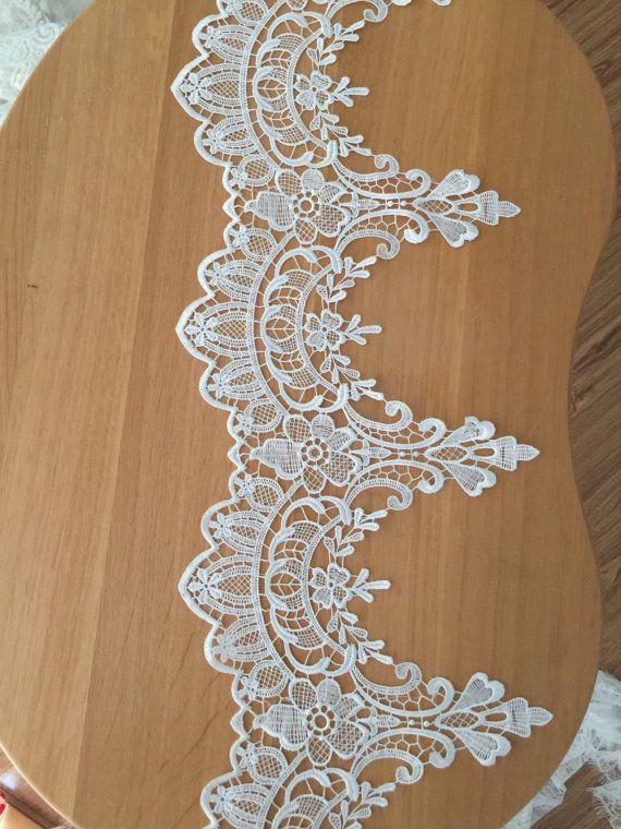 2 yard Ivory Venice style lace trim for Applique Corsets