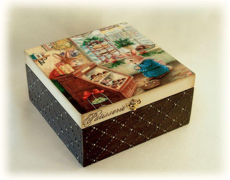 "Декупаж - Сайт любителей декупажа - DCPG.RU | Шоколад и сладости №6: Шкатулка для печенек ""Зайкина любовь"" Click on photo to see more! Нажмите на фото чтобы увидеть больше! decoupage art craft handmade home decor DIY do it yourself box chocolate sweets cupcakes"