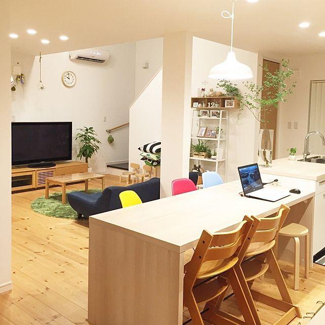 kana_homeさんの、Overview,観葉植物,無印良品,照明,ナチュラル,IKEA,雑貨,ソファ,マリメッコ,北欧,多肉植物,シンプル,テレビボード,北欧インテリア,ウンベラータ,エアープランツ,リキクロック,シンプルな暮らしについての部屋写真
