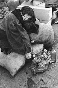 Spanish civil war (1936-1939) Noia al centre de Refugiats de Trànsit de Barcelona, 15 de gener del 1939. Gerda Taro