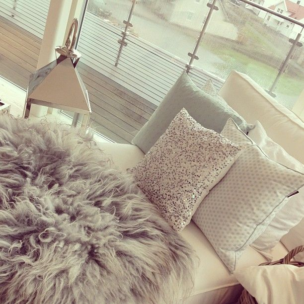 Room Design. So Cute. Love The Fur Rug And The Glittered