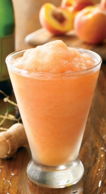Outback's Wallaby-Darned (A Peach Bellini) http://www.copycatrecipeguide.com/How_to_Make_an_Outback_Steakhouse_Wallaby-Darned
