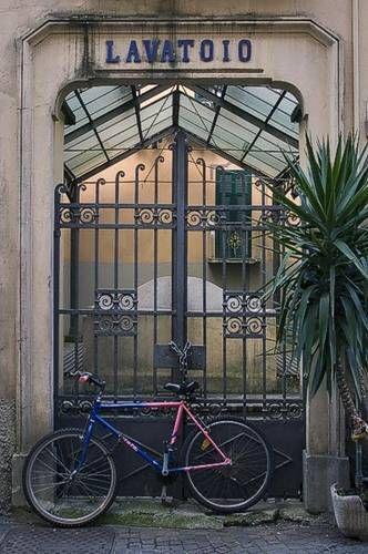 Sarzana - Lavatoio and Bicycle - Liguria Picture #irresistiblyitalian