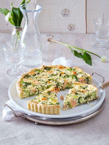 Quiche mit Brokkoli und Lachs in Bärlauch-Eiermilch