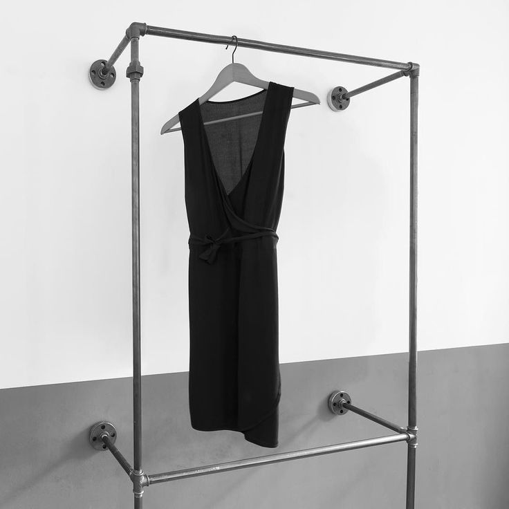 17 best schlafzimmer ankleide garderobe images on for Garderobe wasserrohr