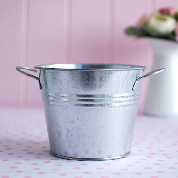 Tin Pail + Side Handles Silver. For more information Please take a moment to visit our website : https://www.redplumlinen.com.au/