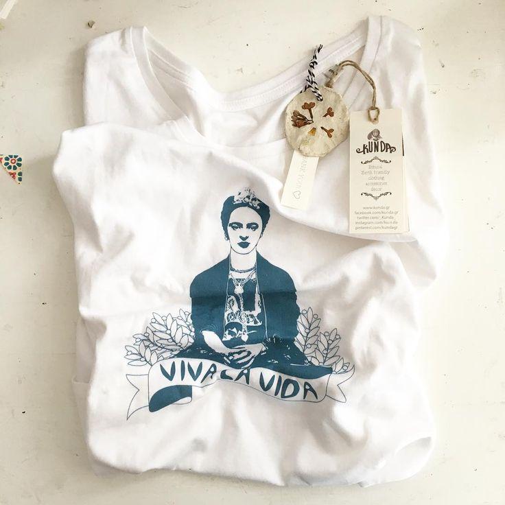Frida Kahlo organic fairtrade t-shirt by Kunda. www.kunda.gr #tshirts #organictshirts #fairtrade #organiccotton #etsy #etsygreekstreetteam #ethicalfashion #frida #fridakahlo #friduchita #mexico #EtsyGifts #vivalavida #inspiring