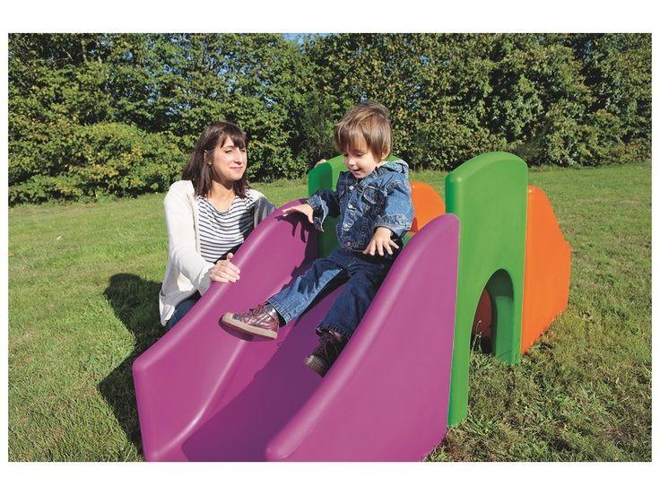 Met de BABIxplore zullen de allerkleinsten hun motorische coördinatie ontwikkelen en zich bewust worden van hun lichaam. Ze zullen hun behoefte om te overheersen kunnen voeden door omhoog te klimmen en hun nieuwsgierigheid ontwikkelen door de tunnels te onderzoeken. Ze zullen vertrouwen krijgen in hun eigen kunnen en in alle veiligheid hun beperkingen leren kennen. <BR />Met het assortiment BABIxplore ontdekken kinderen de wereld van boven en onderen, dankzij d...