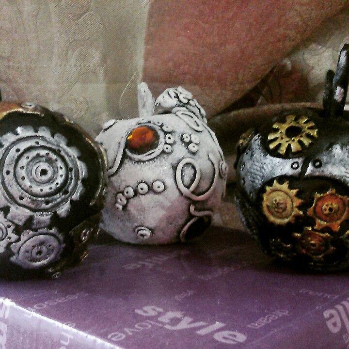 Яблочки из папье маше и полимерной глины в стиле стимпанк