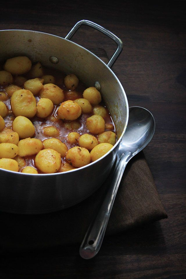 love food eat: My favorite Bengali Aloor Dum