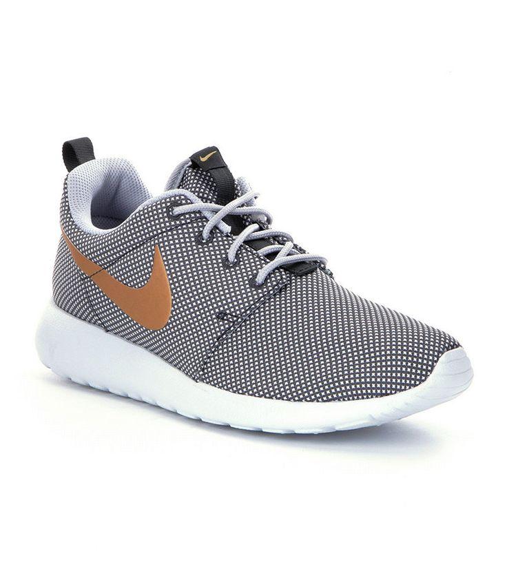 Nike Womens Roshe Run Running Shoes