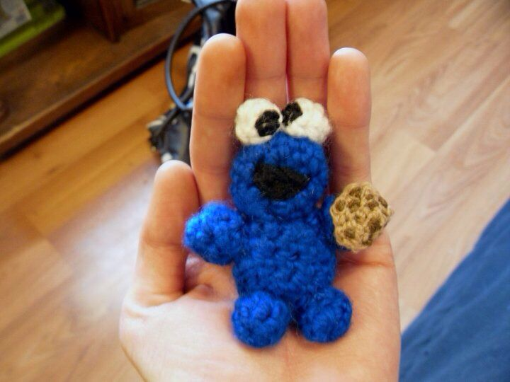 Amigurumi Cookie Monster : Crochet Cookie Monster with cookie amigurumi jennrbee ...