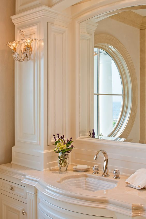 14 best crema marfil images on pinterest bathroom ideas bathrooms and bathrooms decor for Best paint color for crema marfil bathroom